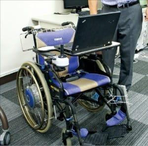 뇌파 조종 휠체어