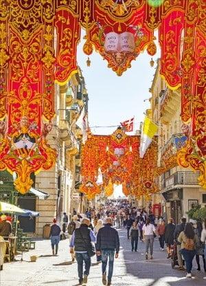 언제나 축제가 펼쳐지는 발레타의 메인 도로