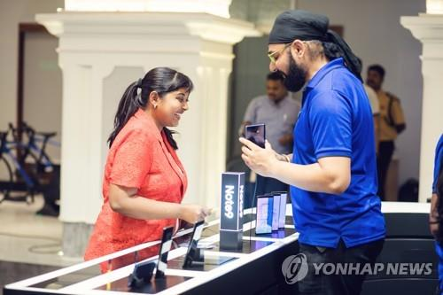 """삼성, 8월 인도 프리미엄폰 1위…""""갤노트9 효과"""""""