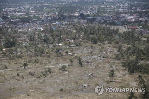 '땅이 마을 삼키는 끔찍한 순간'…인니 지진 위성영상 공개