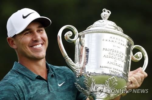 PGA 투어 올해의 선수에 '메이저 2승' 브룩스 켑카