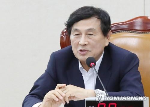 """유재중 """"文케어 시행…건보료, 2022년엔 올해보다 40% 더 낸다"""""""