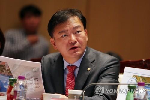 """민경욱 """"17조원 투입 13개 고속도로, 예측대비 이용률 58% 불과"""""""