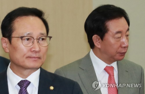 국회 국정감사 사흘째…소득주도성장·탈원전 공방