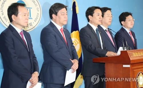 [국감현장] '민병두 비서관 특채 논란'에 정무위 한때 파행