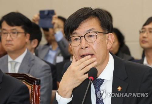 """김상조 """"내년 초 '로비스트규정' 종합평가·개선방안 발표"""""""