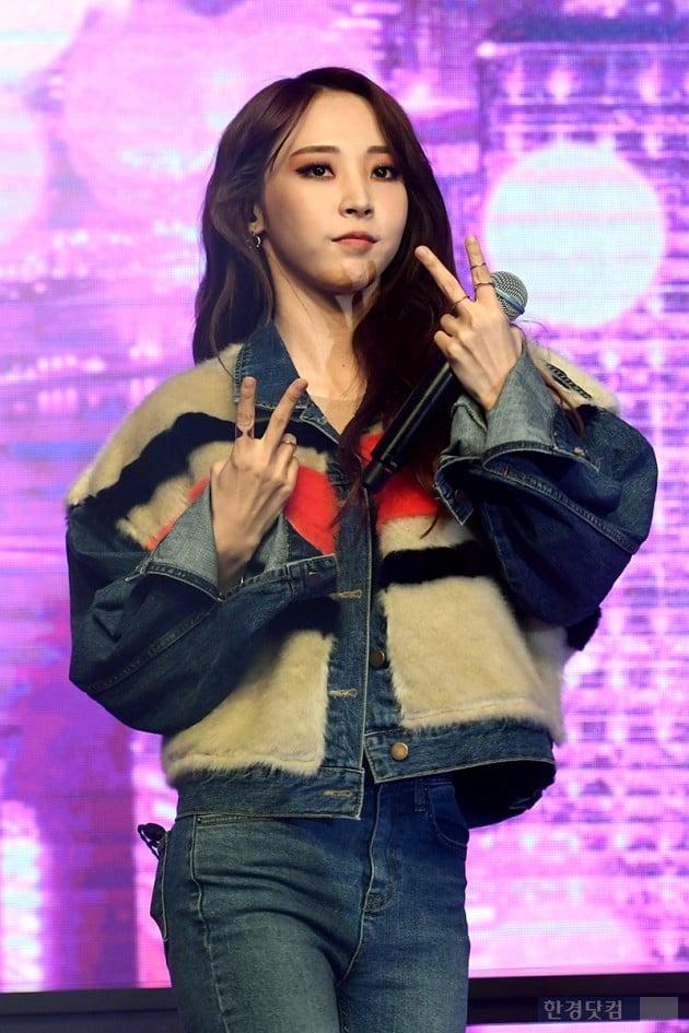 휘인 빚투·보이콧 논란 끝 컴백…마마무, '맘우생대' 입증할 '블루스(BLUE;S)' (종합)