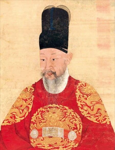1900년 제작된 영조의 초상. 영조는 백성의 권리를 보호하고 신장하는 데 힘쓴 '소민(小民)의 군왕'이었다.