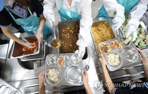서울 학교 비정규직 생활임금, 내년 시간당 1만300원…3% 인상