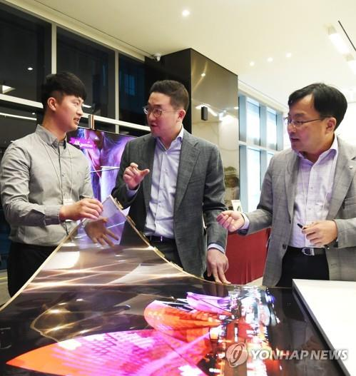 LG 구광모號 상속·규제 대처도 속력전…그룹승계 매듭 단계