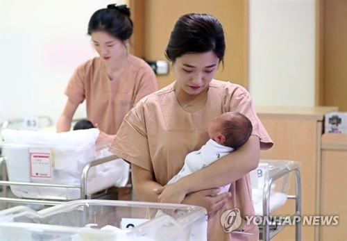 3분기 합계출산율 0.95명으로 추락…출생아 역대 최소