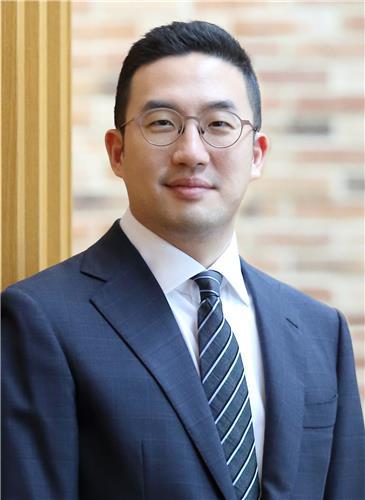 LG 구광모 첫 연말 임원인사…주력계열사 CEO 5명 모두 유임