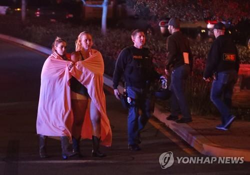 美 LA 교외 술집에서 총기난사 참극…총격범 포함 13명 사망