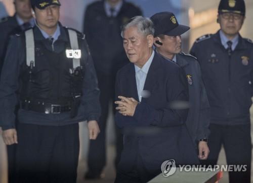 '비박 좌장' 김무성, 친박 최경환 구치소 찾아 첫 면회