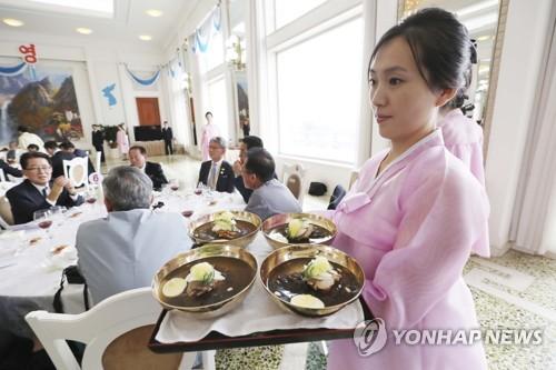 냉면·백두산·판문점…北, '남북화해' 관광유치에 적극 활용