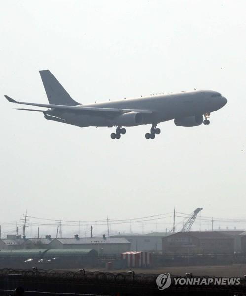 공군 첫 공중급유기 도착…전투기 작전시간 1시간 늘어난다