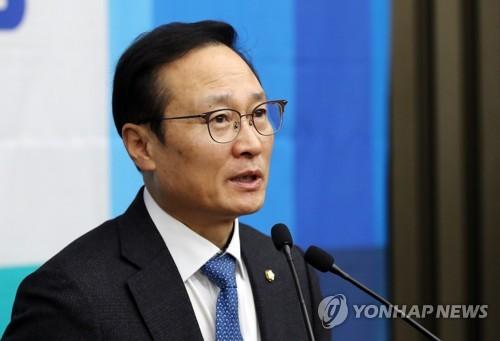 """홍영표 """"탄력근로제 확대, 경사노위 논의결과 보고 나서 입법"""""""