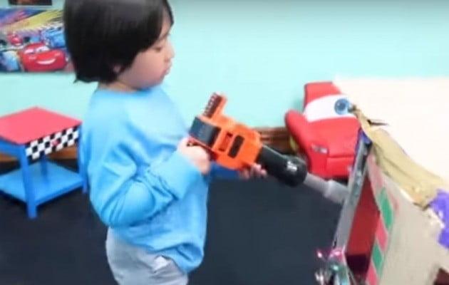 7살 꼬마 유튜버 라이언 [사진=유튜브 캡처]