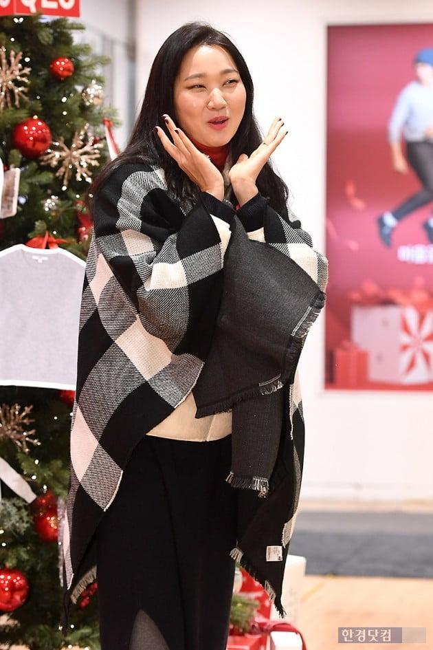 [포토] 장윤주, '예쁜 사진 부탁드려요~'