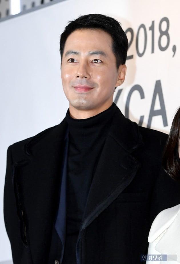 [포토] 조인성, '오랜만에 보는 얼굴'