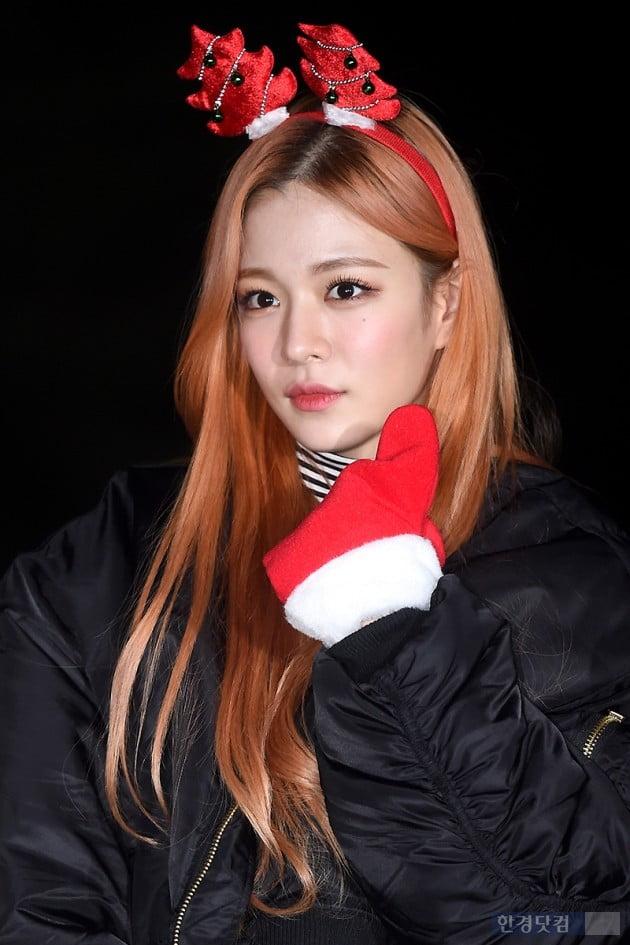 [포토] 프로미스나인 이채영, '귀엽게 엄지척~'