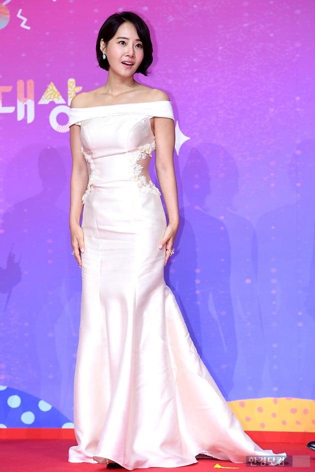 [포토] 강경헌, '눈 뗄 수 없는 아름다운 모습' (2018 SBS 연예대상)