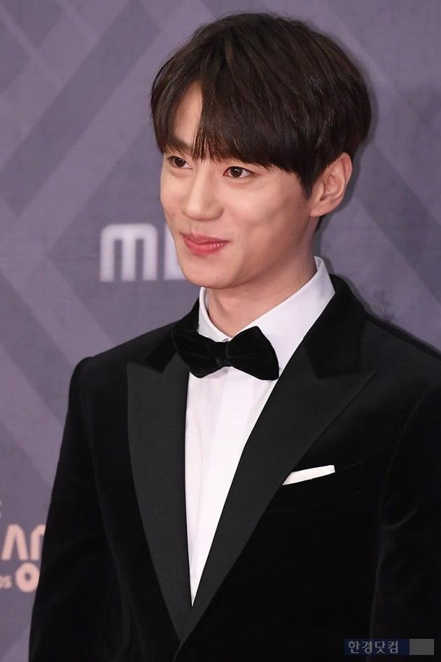 [포토] 유키스 준, '누나들 마음 흔드는 부드러운 미소~' (2018 MBC 연기대상)