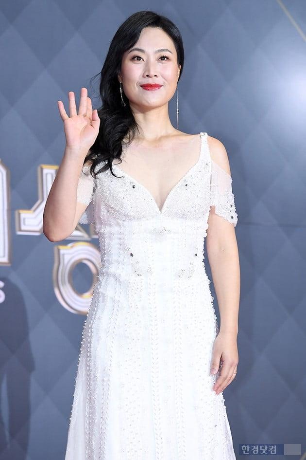 [포토] 김재화, '아름다움 뽐내며~' (2018 SBS 연기대상)