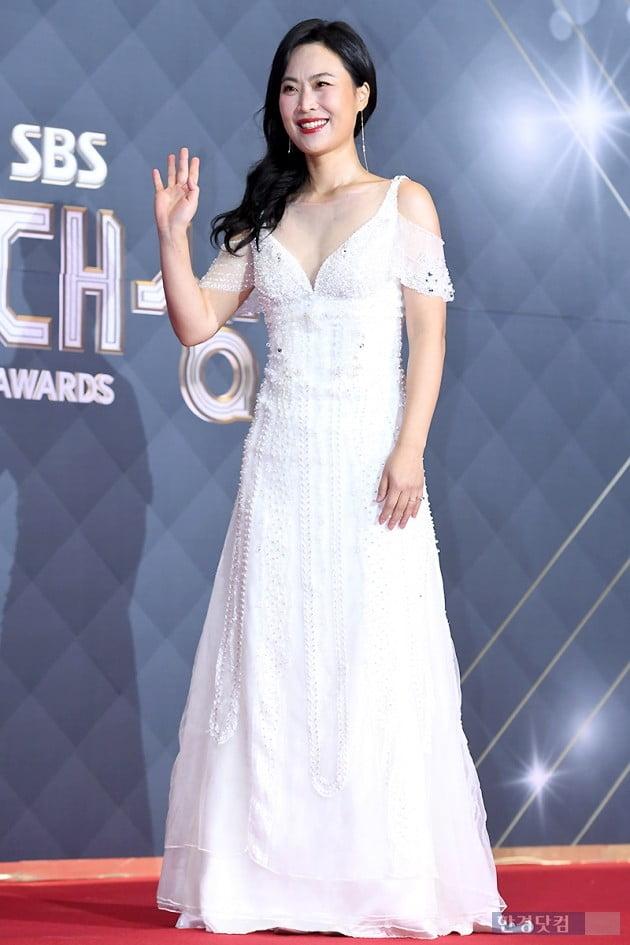 [포토] 김재화, '순백의 드레스 입고 우아하게~' (2018 SBS 연기대상)