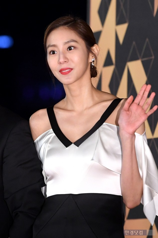 [포토] 유이, 'V라인 턱선'(2018 KBS 연기대상)