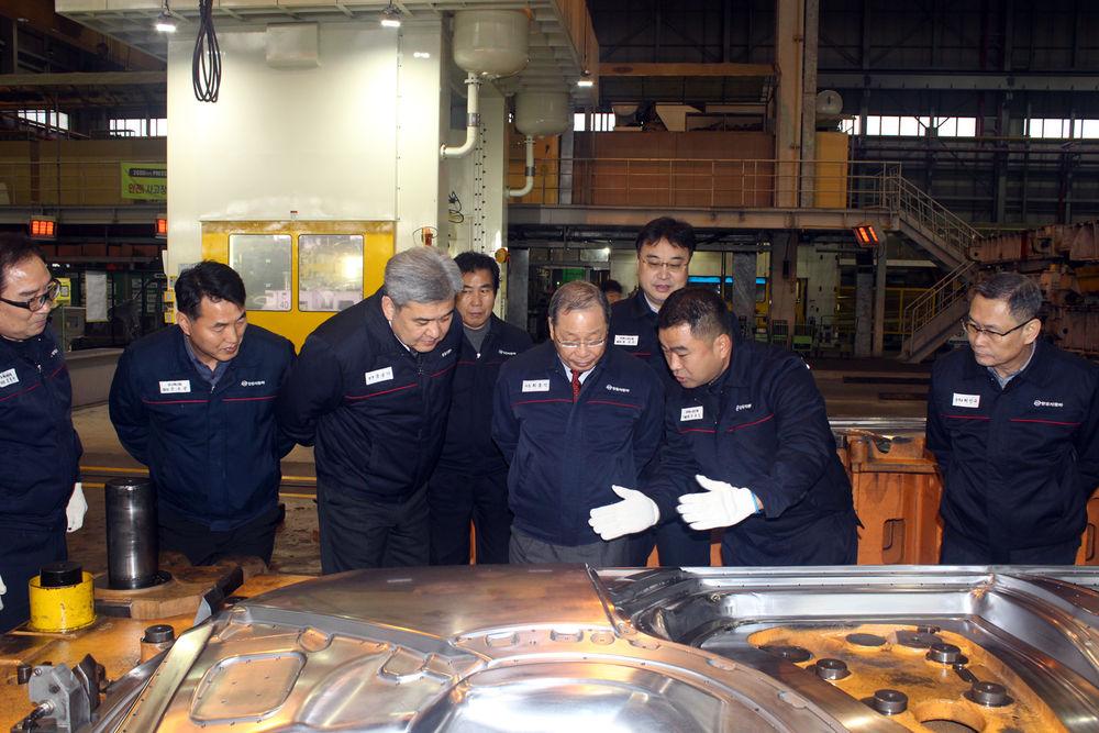 쌍용차, 임원진 생산현장 방문