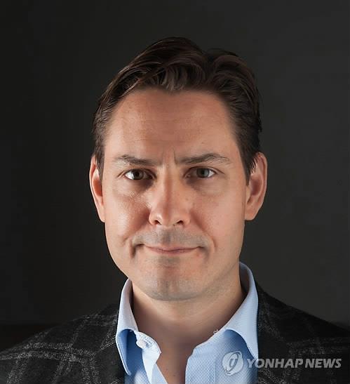 中억류 캐나다 전직 외교관 첫 영사접견…주중 加대사가 면회