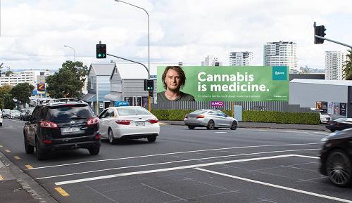 """뉴질랜드에 """"대마초는 약이다"""" 광고 등장"""