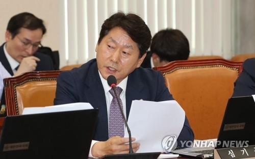 검찰, 정치자금법 위반 혐의 심기준 국회의원 불구속기소