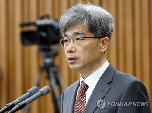 김상환 청문회…오전엔 '위장전입'·오후엔 '정치성향' 공방