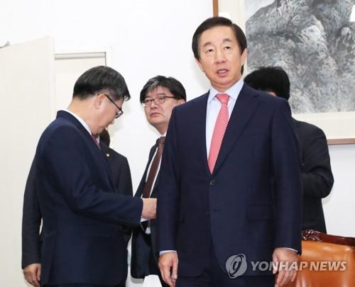 명분 쥐었지만 우군 멀어진 민주…野 공조 대신 실리 택한 한국