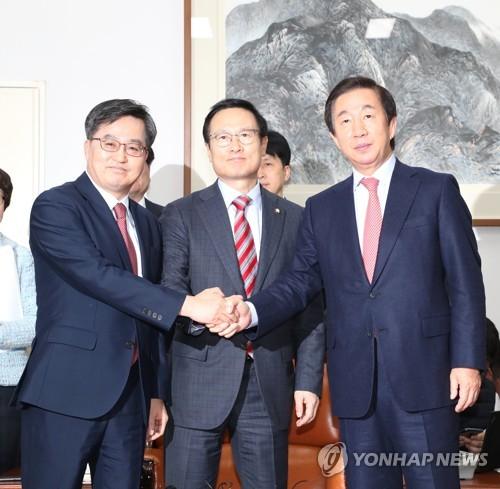 일자리 6000억·남북협력 1000억 삭감…정부예산안서 5.2兆 감액