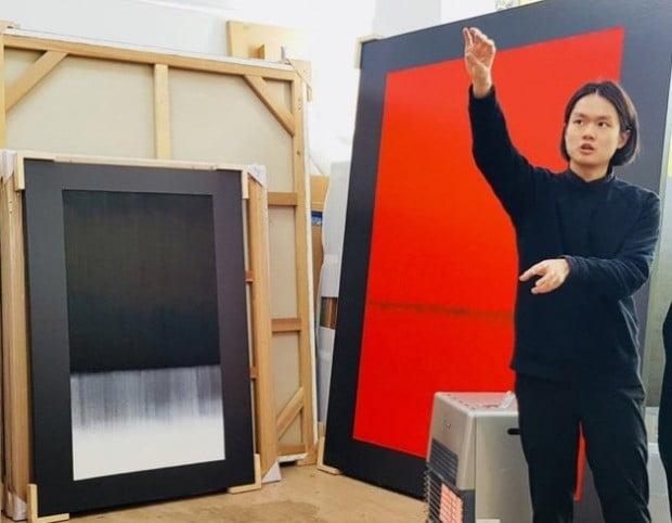 """화가 김수수 """"용광로 '불의 기운'을 화면에 풀어냈죠"""""""