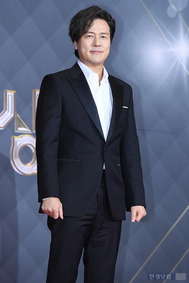 [포토] 감우성, '부드러운 눈빛에 시선강탈' (2018 SBS 연기대상)