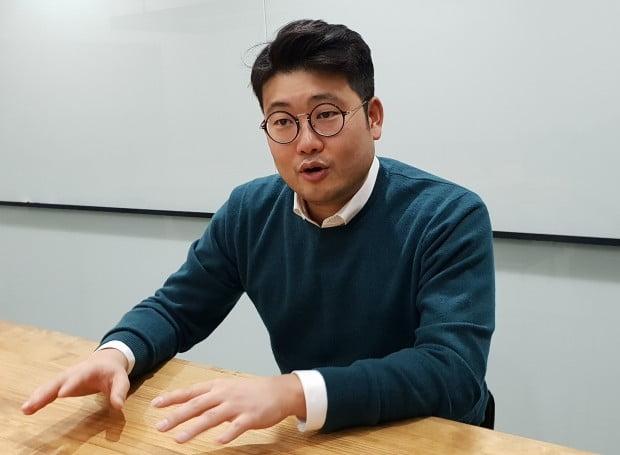 한경닷컴과 인터뷰한 폴 리 대표. / 사진=마인드 AI 제공