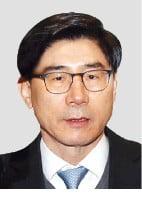 '채용비리' 이광구 前 행장 징역 1년6월 법정구속