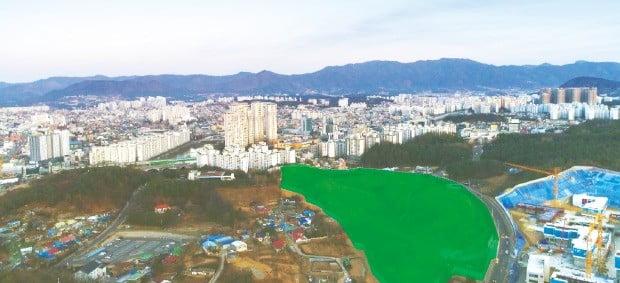 새 아파트가 건설되고 있는 춘천 온의지구 주변 전경.
