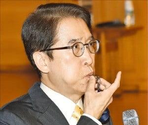 """신창재 교보생명 회장 """"'제2의 창사' IPO 추진하는 해…힘차게 출발"""""""