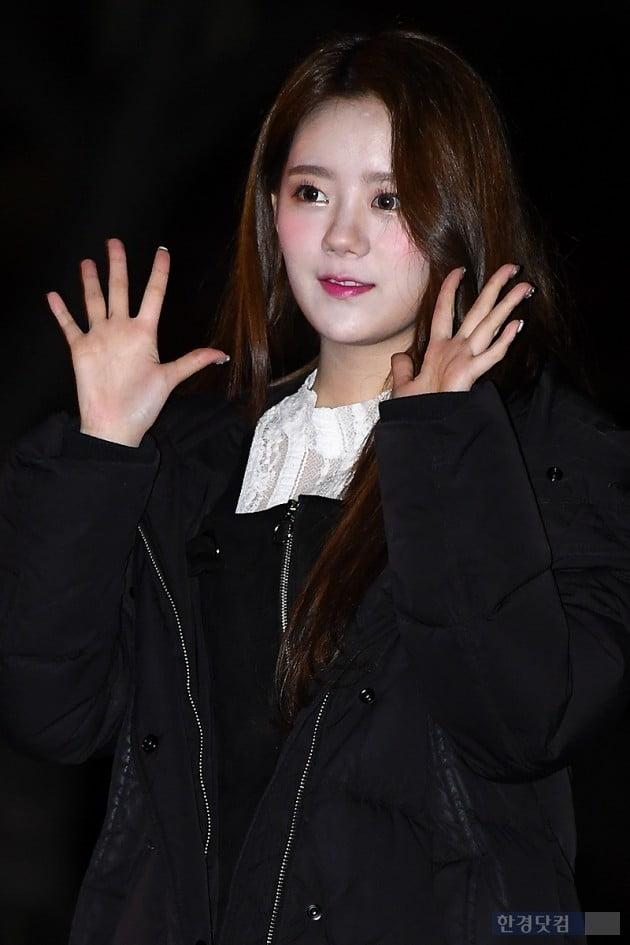 [포토] 그레이시 예나, '깜찍한 손인사~'