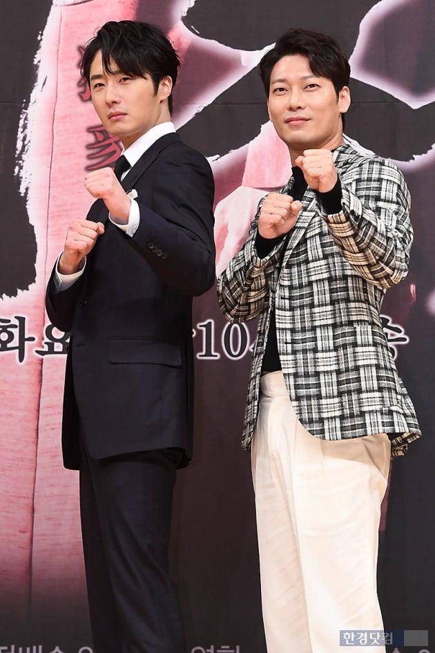 [포토] 정일우-박훈, '두 남자의 카리스마~'