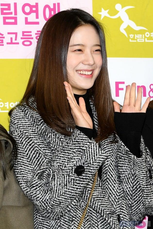 [포토] 프로미스나인 장규리, '순도 100% 청순 미소~'