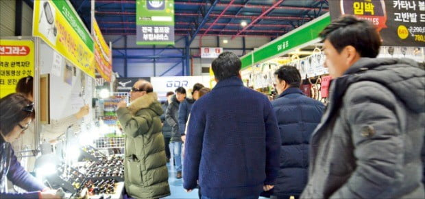 골프 및 레저 관련 용품을 값싸게 장만할 수 있는 '2019 더골프쇼 프리시즌'이 오는 14일부터 나흘간 서울 학여울역 SETEC에서 열린다. 사진은 지난해 행사 현장.  /이엑스스포테인먼트  제공