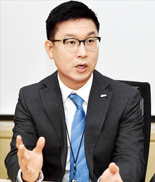 박지현 신한은행 미래설계센터 과장이 내 집 마련 전략에 대해 설명하고 있다.  /최혁 기자