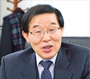 """김순석 이사장 """"변호사 수 늘려 법률 서비스 문턱 낮춰야"""""""