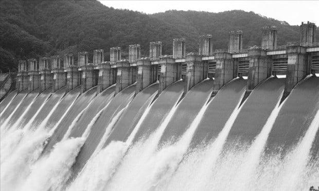 한국수력원자력이 운영하는 강원 화천수력발전소.  /한국수력원자력 제공